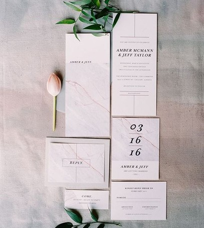 Пригласительные на свадьбу мраморная текстура
