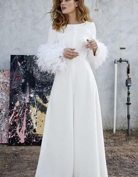 женский брючный костюм на свадьбу