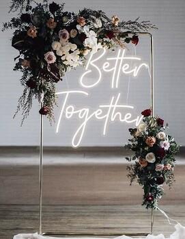 неоновая свадебная арка