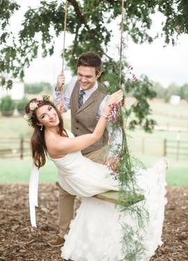Свадебная фотосессия качели