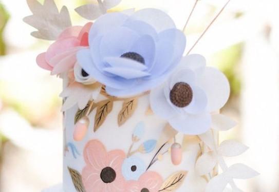свадебный торт, в  розово-голубых цветах