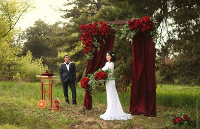 свадьба в бордовом цвете, выездная церемония