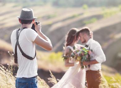Свадебный фотограф: всё, что нужно знать молодожёнам