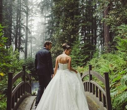 Свадебные фотографии в лесу
