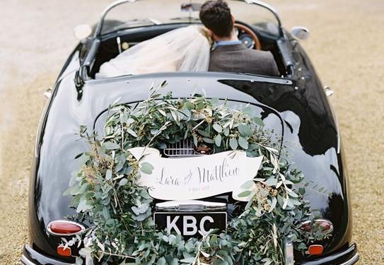 Свадебный венок на багажник авто