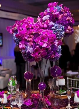 свадьба в цвете фуксия, цветы на свадьбе