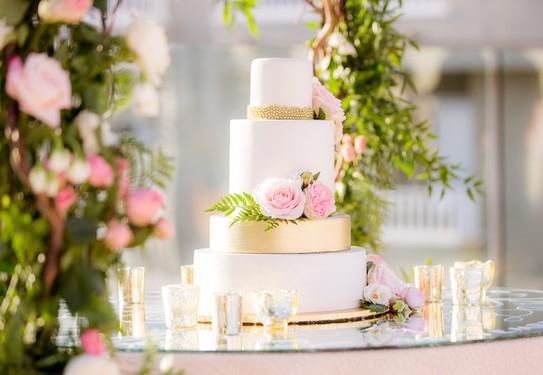 Декор свадьбы розовый