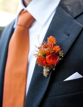 жених на свадьбу в оранжевом цвете