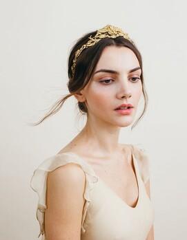 свадебная прическа с короной