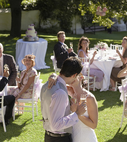 свадебный банкет на свежем воздухе