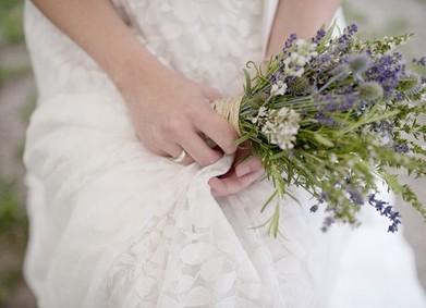 Лаванда, шалфей, базилик? Делимся рецептом букета невесты с травами