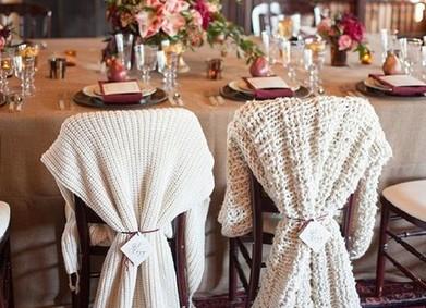 Любви к уютным, вязанным свитерам посвящается: украшаем зимнюю свадьбу!