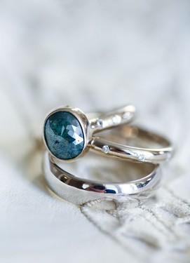 Обручальные кольца с полудрагоценными камнями