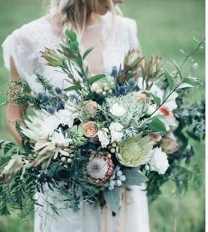 большой букет невесты, невеста с букетом