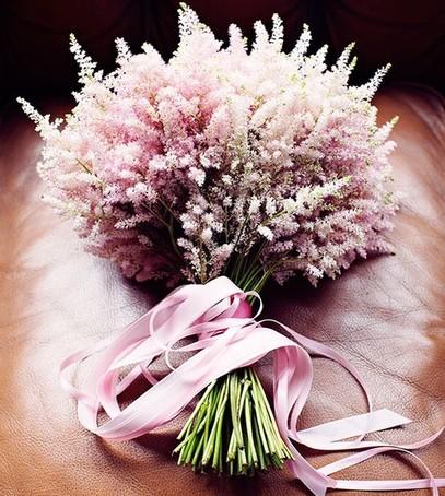 свадебный букет из астильбы, невеста 2019, свадебная флористика, букет невесты