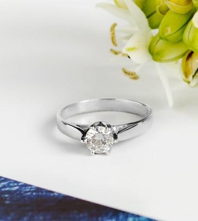 кольцо с диамантом, обручальное кольцо