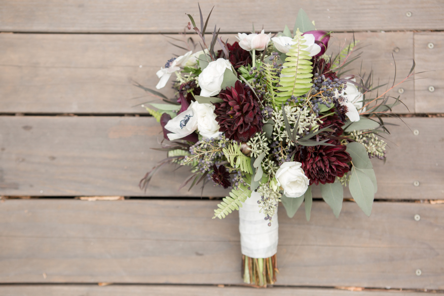 Можно ли взять букеты цветов на затраты
