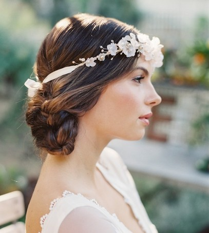 свадебная причёска, причёска на длинные волосы, причёска на средние волосы, причёска с украшением, невеста, свадебный образ