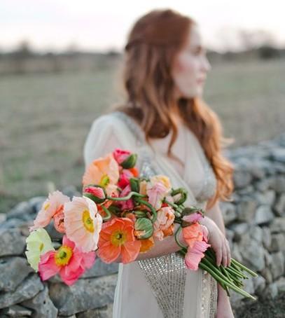 свадебный букет 2019, цветы с длинными стеблями, невеста с букетом 2019