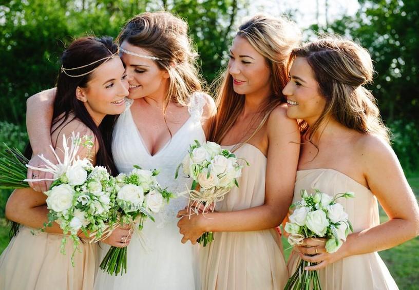 любимые подружки, свадьба, невеста, подружки невесты, букет невесты и подружек невесты, цвет свадьбы айвори, летняя свадьба, радость