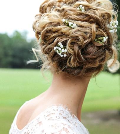 свадебная причёска, причёска на длинные волосы, причёска на средние волосы, причёска с живыми цветами, невеста, свадебный образ