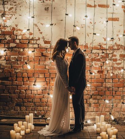 Красивые свадебные фотографии Лофт гирлянды