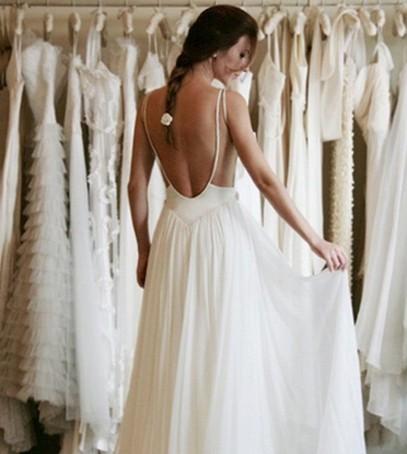примерка свадебного платья, выбор платья на свадьбу, невеста, салон платьев, белые платья, свадебный прокат