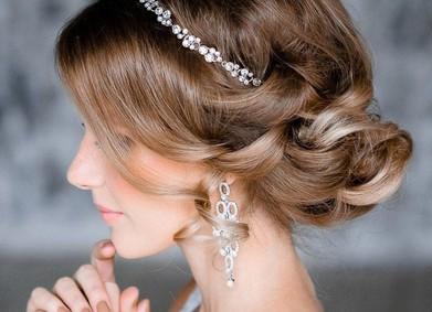 Свадебные причёски  – вдохновляйся вместе с YesYes