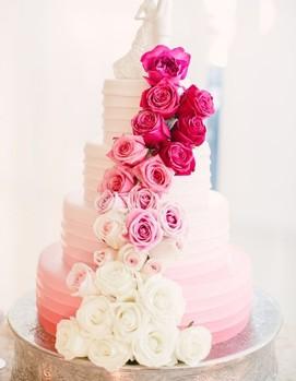 свадьба в цвете фуксия, свадебный торт