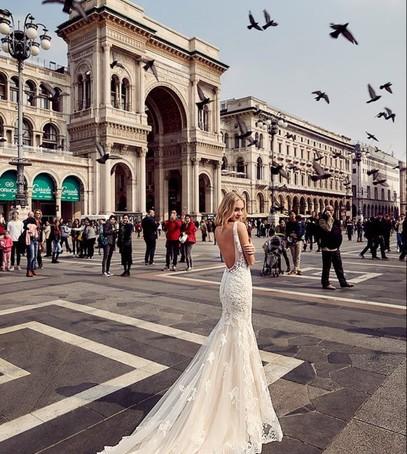 Красивые свадебные фотографии на улице в городе