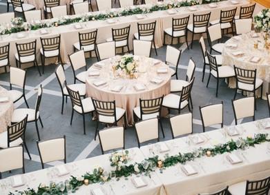 Рассадка гостей на свадьбе – 11 популярных вариантов