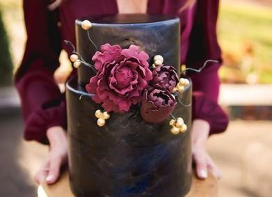 Свадебный торт 2018: безупречно чёрный
