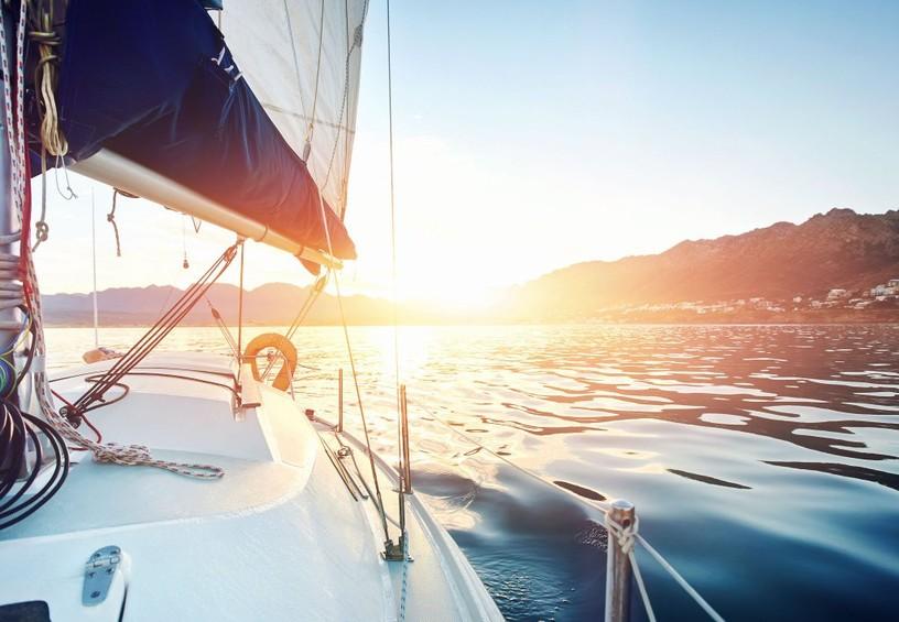 катер, яхта, река, прогулка на теплоходе как идея для девичника, солнце, красота