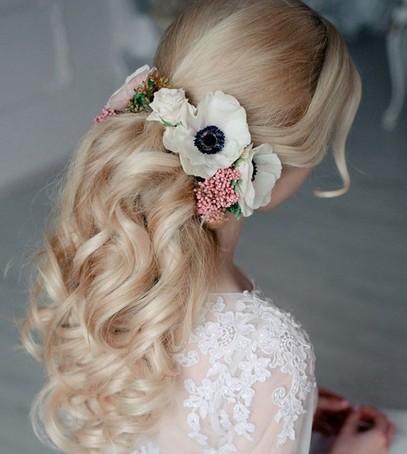 свадебная причёска, причёска на длинные волосы, причёска на средние волосы, причёска с цветами, невеста, свадебный образ