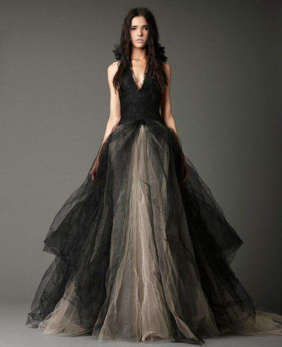 f7a5ded8497 Чёрное свадебное платье – тренд или бред