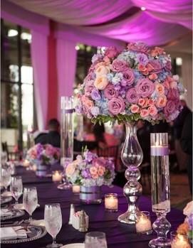 свадьба в цвете фуксия, свадебный декор в фиалковом цвете