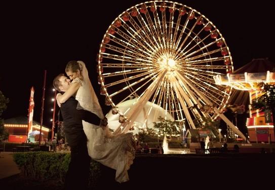 Свадебная фотосессия в парке развлечений