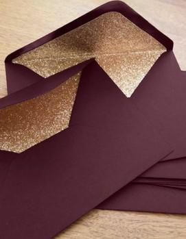 бордовые конверты