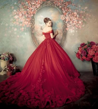 свадьба в бордовом цвете, платье невесты в бордовом цвете