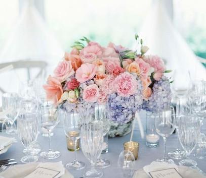 розовый кварц и серенити в свадебном декоре, розово-голубых цветах