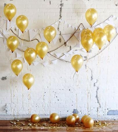гелиевые шарики, свадьба, фотозона, золотой цвет, стена