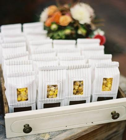 сувениры гостям на свадьбу, подарки гостям, сладости для гостей на свадьбе, пакеты с угощениями