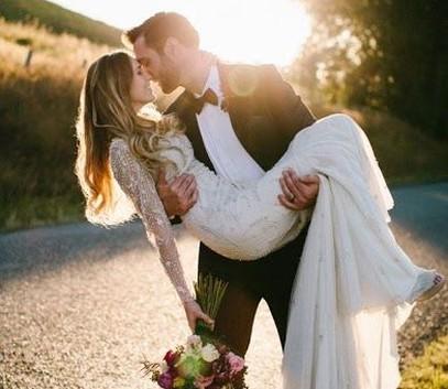 жених и невеста, свадебная фотосессия на природе