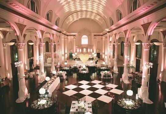 Чёрно-золотая свадьба украшение