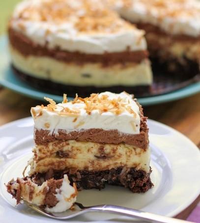 торт домашний, пирог на свадьбу, торт для маленькой свадьбы, торт на тарелочке