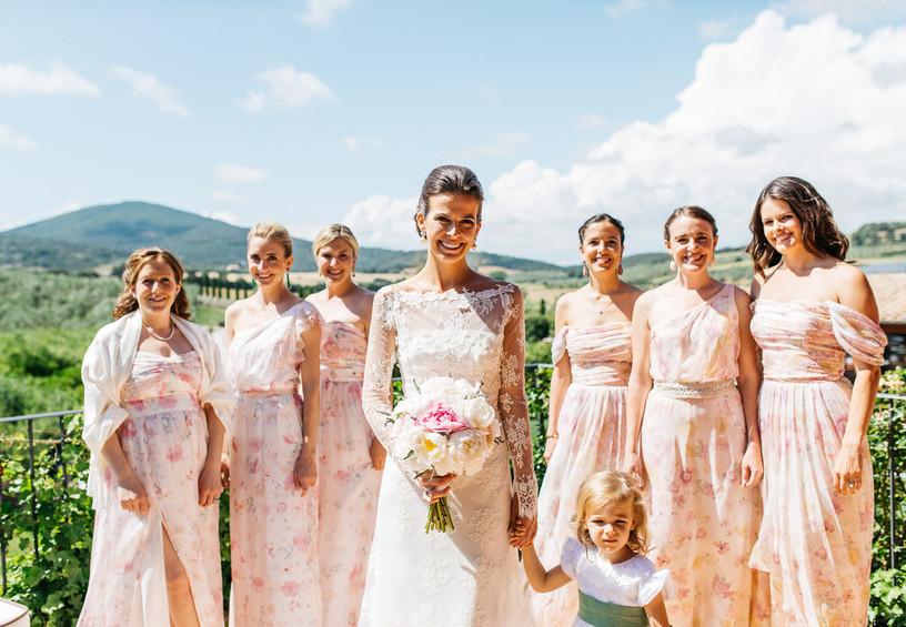 свадьба, невеста, ребёнок на свадьбе, подружки невесты, цветочный принт, летняя свадьба
