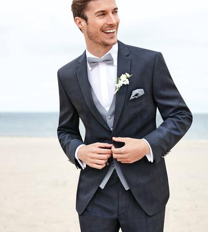 жених, красивый свадебный костюм, темно-серый мужской костюм