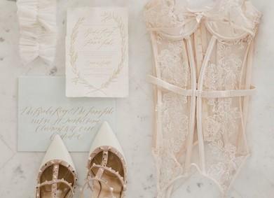 Утро невесты: секрет шикарной фотосессии в свадебном нижнем белье