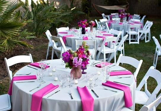 свадьба в цвете фуксия, свадебный банкет