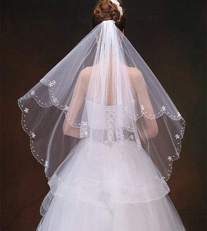 свадебная фата, фата-веер, фата средней длины, причёска с фатой, невеста